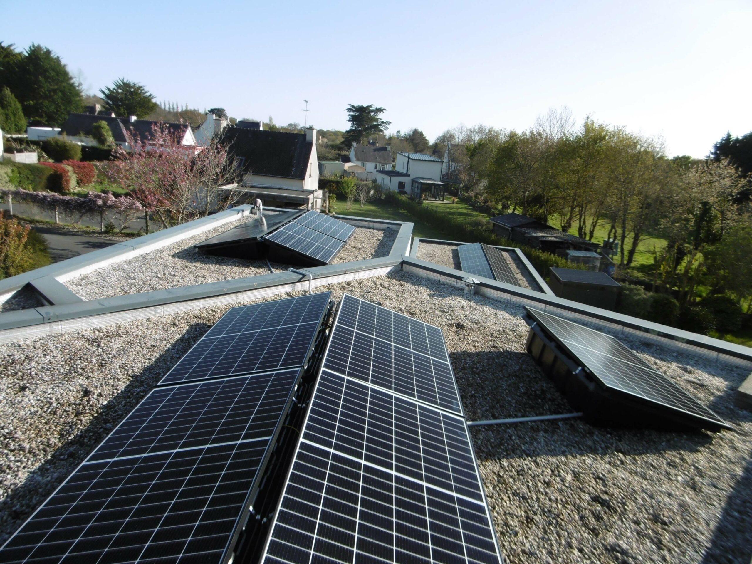 BBS installateur solaire a réalisé cette installation d'une puissance de 9Kw pour de l'autoconsommation à Fouesnant